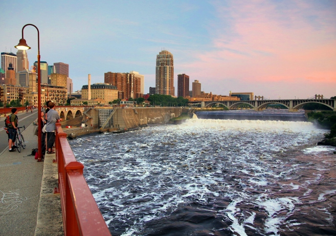 Stone Arch Bridge, St Anthony Falls, Mississippi river