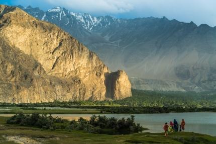 Kveldsstemning ved sidearm av Indus, Saling